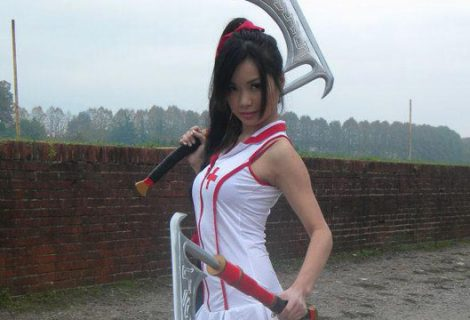 Η Στέλλα ντύνεται νοσοκόμα… Akali!