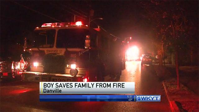Έπαιζε αργά τη νύχτα και έσωσε την οικογένεια του από φωτιά!