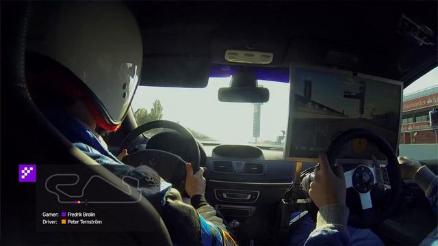 Παίζοντας ένα παιχνίδι racing μέσα σε ένα αγωνιστικό αυτοκίνητο!