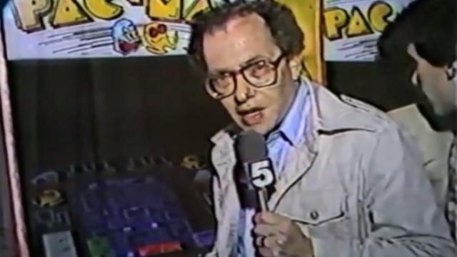 Δημοσιογράφος περιγράφει το gameplay του Pac-Man. Στα 80s!