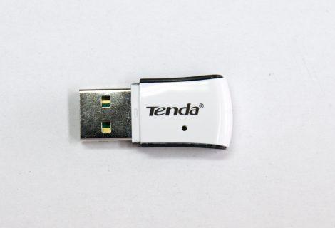 USB WIFi adaptor για ασύρματη σύνδεση στο desktop PC