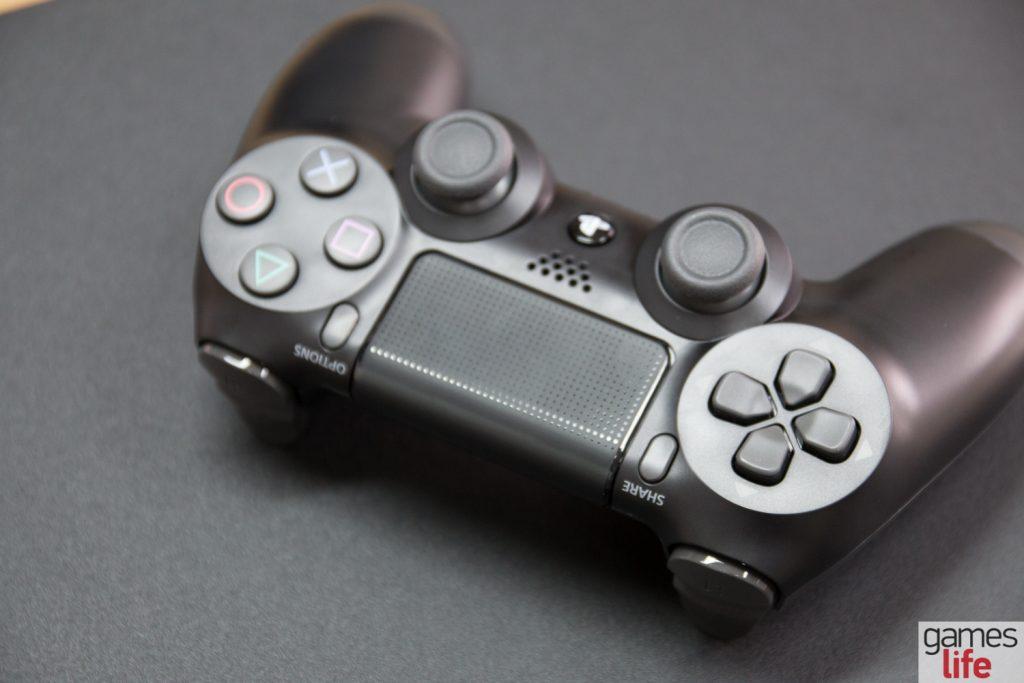 playstation-4-pro-18