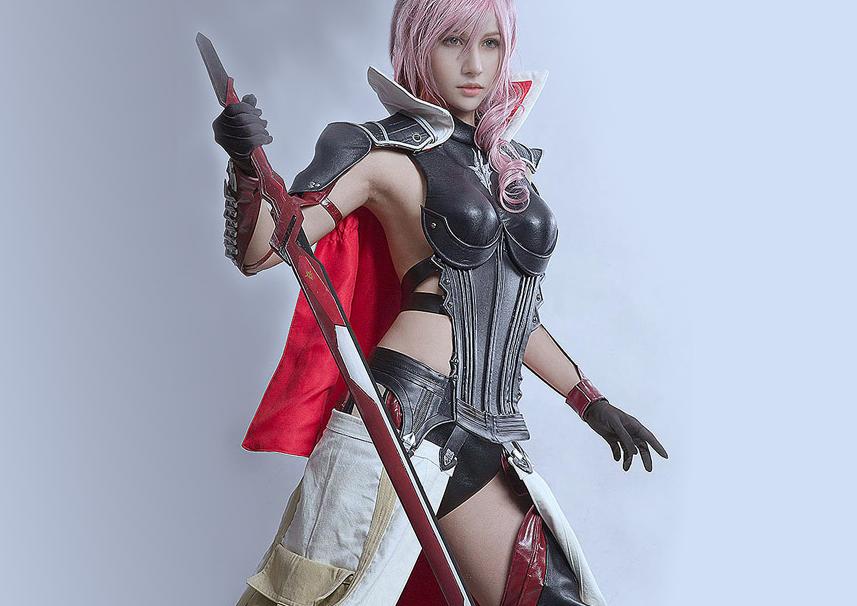 Ανεπανάληπτο Lightning cosplay που θα σας αφήσει… άφωνους!