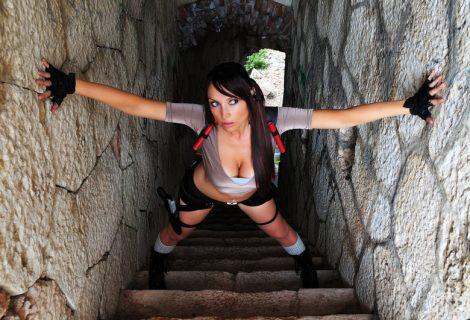 Lara Croft cosplay από την Giorgia και… Forza Italia!
