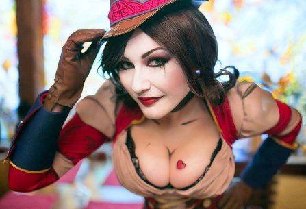 "Mad Moxxi cosplay από το Borderlands που είναι ""σκέτη τρέλα""!"