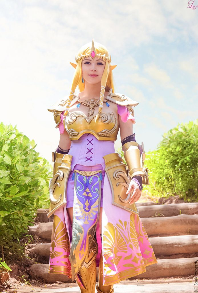 Queen Zelda cosplay (2)