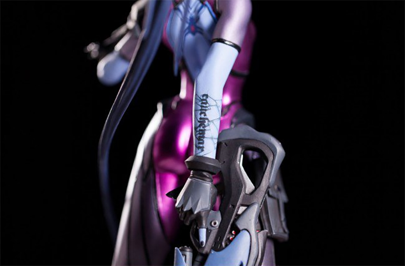 Widowmaker Statue (1)