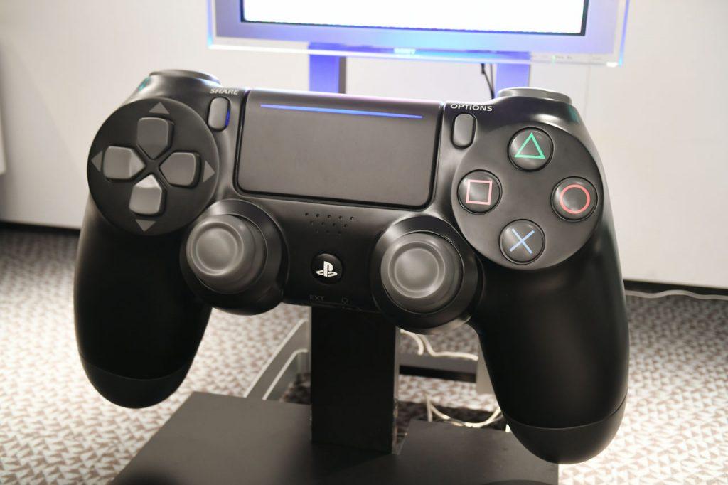 DualShock 4 (2)