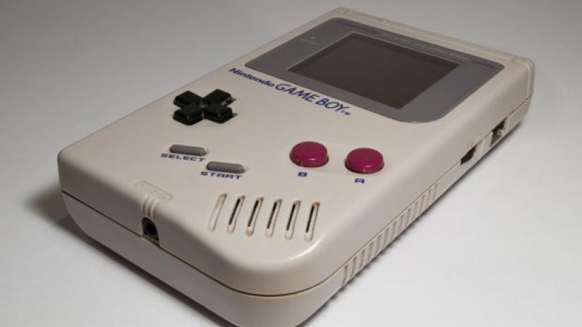 Χαμός τελευταία με φήμες για κυκλοφορία ενός Game Boy Mini