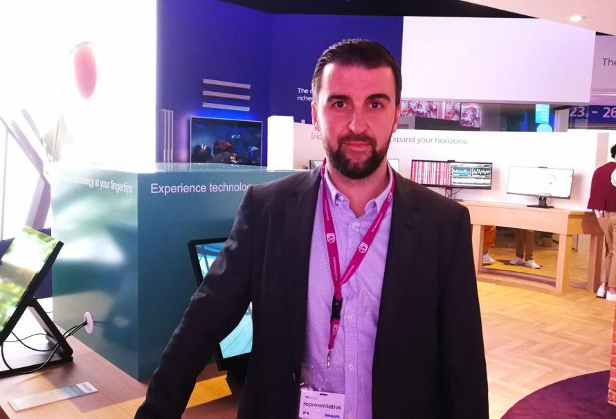 Philips MMD booth-tour με τον Artem Khomenko: «Δυναμικό line-up με monitors που είναι game-changers»! (IFA 2019)